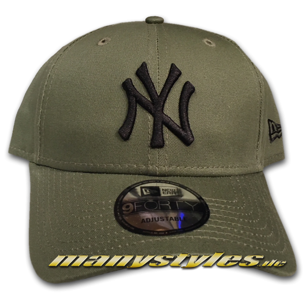 NY Yankees 9FORTY MLB League Essentials Curved Visor Adjuastable Cap  Nov Olive Black von New Era