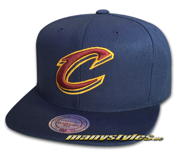 Cleveland Cavaliers NBA Basic Wool Solid Snapback Cap Navy Red Yellow Team Color von Mitchell and Ness