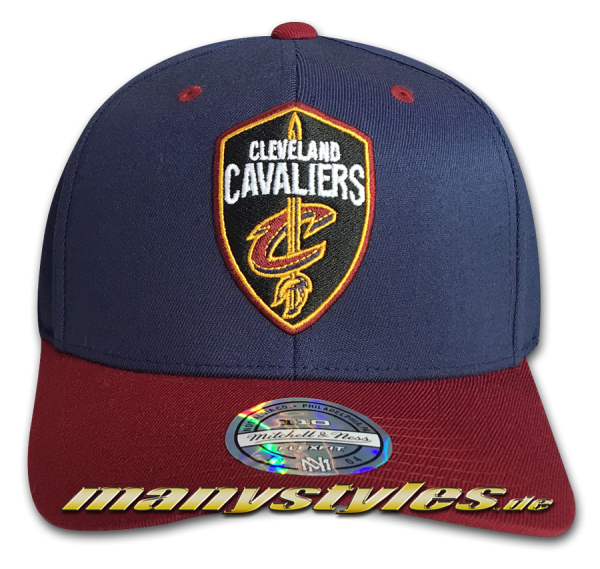 Cleveland Cavaliers NBA 110 FlexFit Curved Visor adjustable Snapback Cap Navy Red Yellow Team Color von Mitchell and Ness