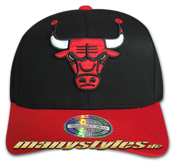 Chicago Bulls NBA 110 FlexFit Curved Visor Snapback Cap Team Color Black Red von Mitchell and Ness